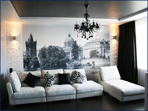 Черно-белые фотообои с видом города на стену